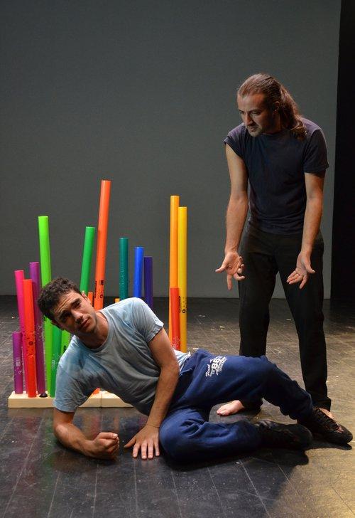 Μια εικόνα απο την παράσταση Νεφέλες.