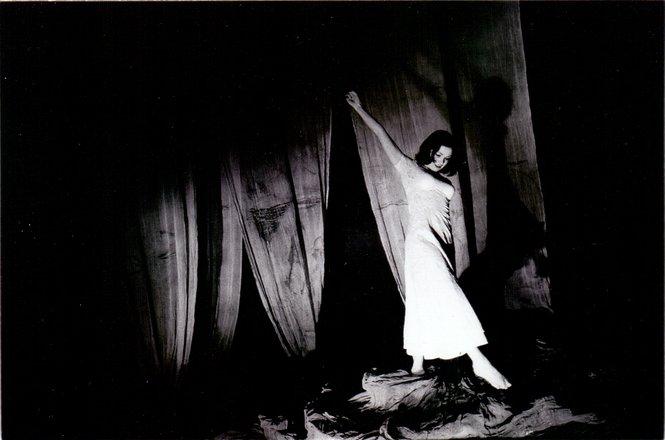 Μια εικόνα απο την παράσταση ΒΑΛΣ ΑΡ. 6.