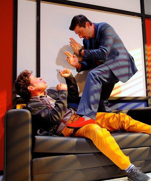 Μια εικόνα απο την παράσταση Το δάνειο.