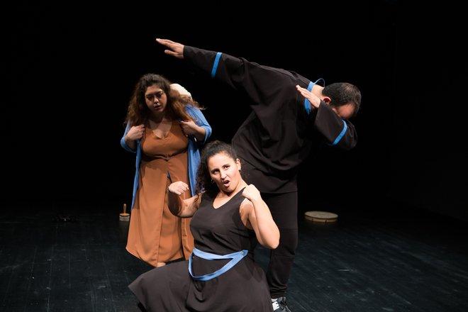 Μια εικόνα απο την παράσταση Ελένη.