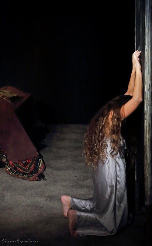 Μια εικόνα απο την παράσταση ΚΛΥΤΑΙΜΝΗΣΤΡΑ.