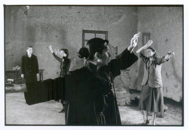 Μια εικόνα απο την παράσταση Κοινός Λόγος.