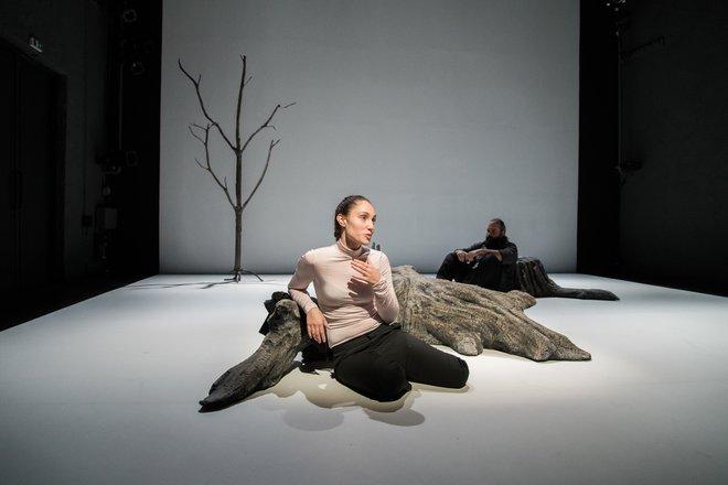 Μια εικόνα απο την παράσταση Λαμπεντούζα.