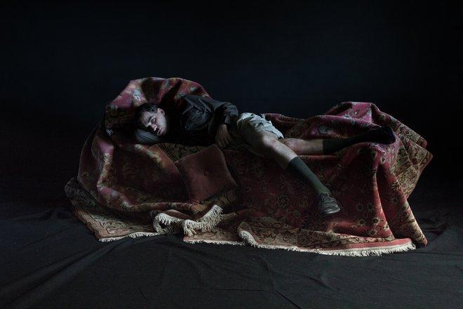 Μια εικόνα απο την παράσταση Ο ΜΙΚΡΟΣ ΧΙΤΛΕΡ.