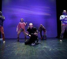 Μια εικόνα απο την παράσταση ΟΝΕΙΡΟ ΚΑΛΟΚΑΙΡΙΝΗΣ ΝΥΧΤΑΣ   .