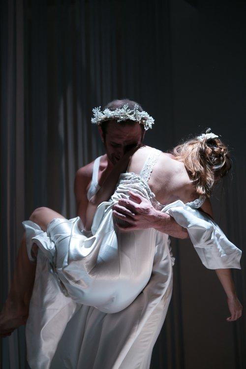 Μια εικόνα απο την παράσταση Ορφέας & Ευρυδίκη.