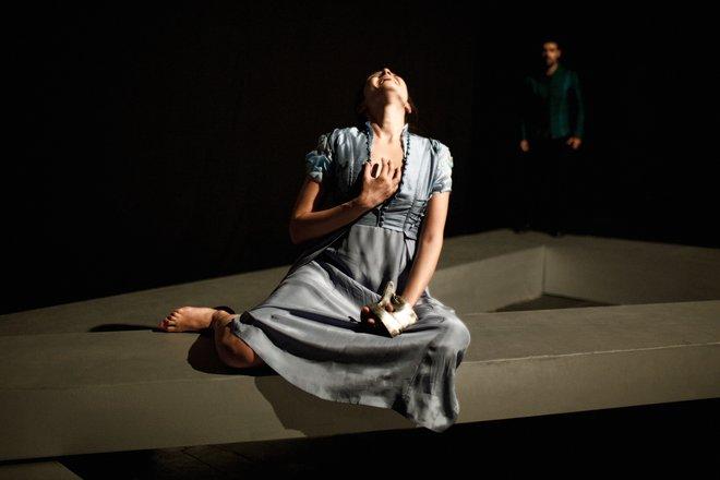 Μια εικόνα απο την παράσταση ΡΩΜΑΙΟΣ ΚΑΙ ΙΟΥΛΙΕΤΤΑ.